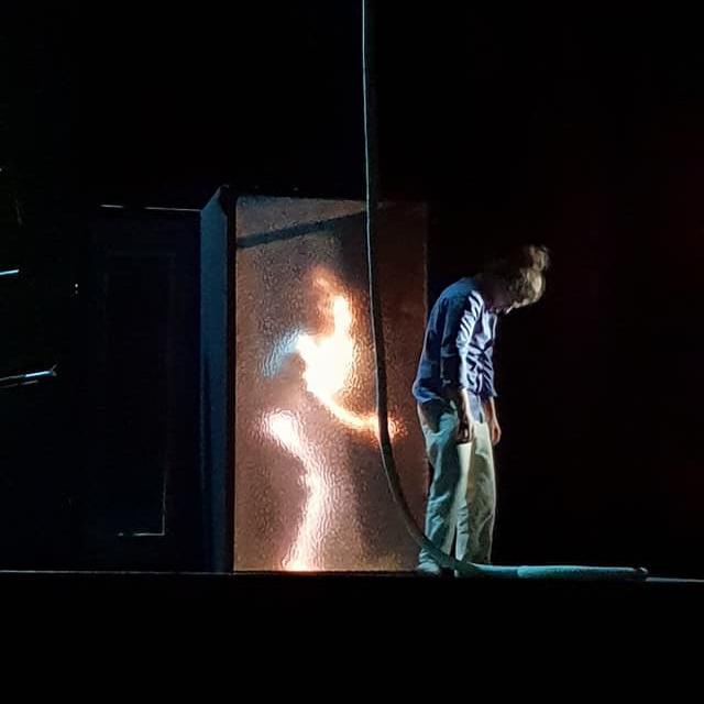 Nouveau spectacle de la compagnie Hors Surface : Open Cage. Danse, cirque, théâtre