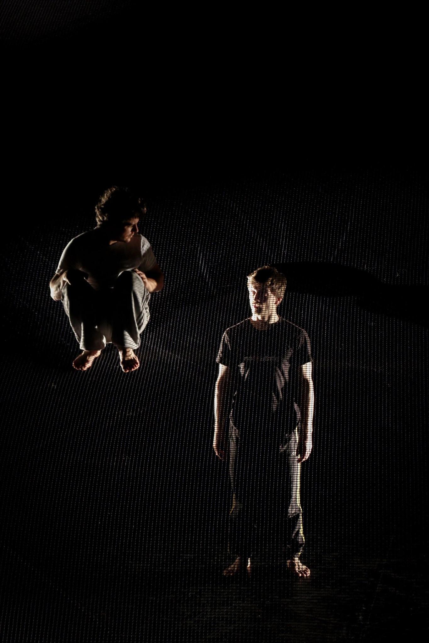 cie-hors-surface-labo-artistique-cirque