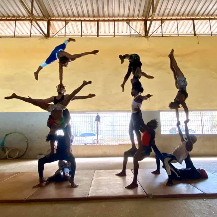 COLLABORATION-en-guinee-damien-droin-association-terya-circus
